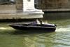 BLACK SWAN е изцяло електрическа лодка с използвани батерии от електромобили на Renault